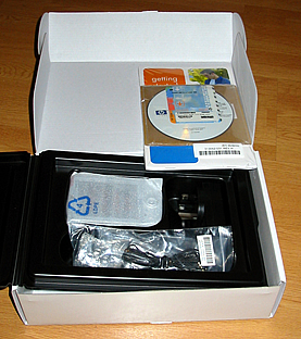 A picture of the opened iPAQ Pocket PC h1910 box